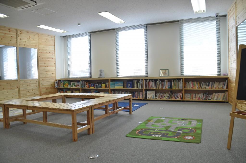 図書室にはなるには本がいっぱい!