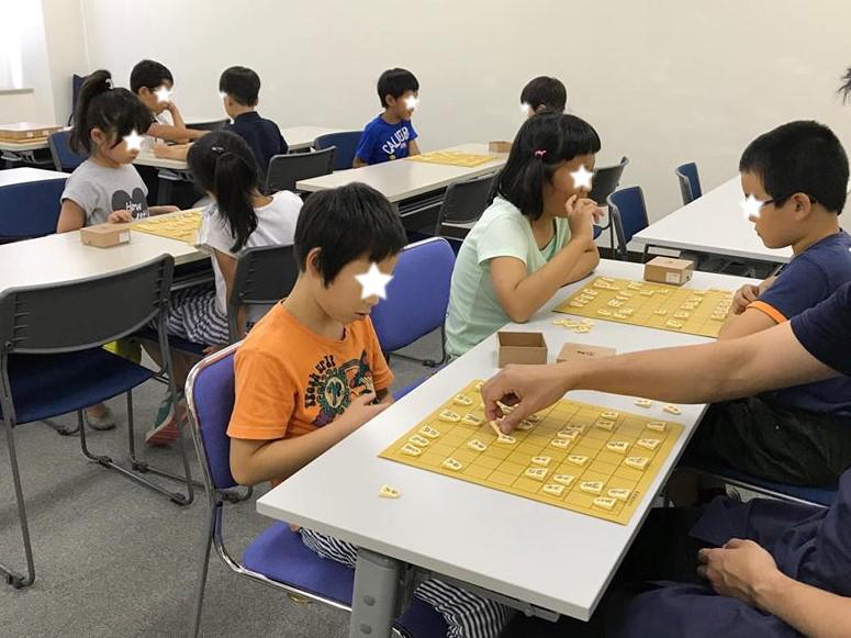 希望者だけ、お昼ご飯をはさんで、午後も1時間ほど将棋の時間に。